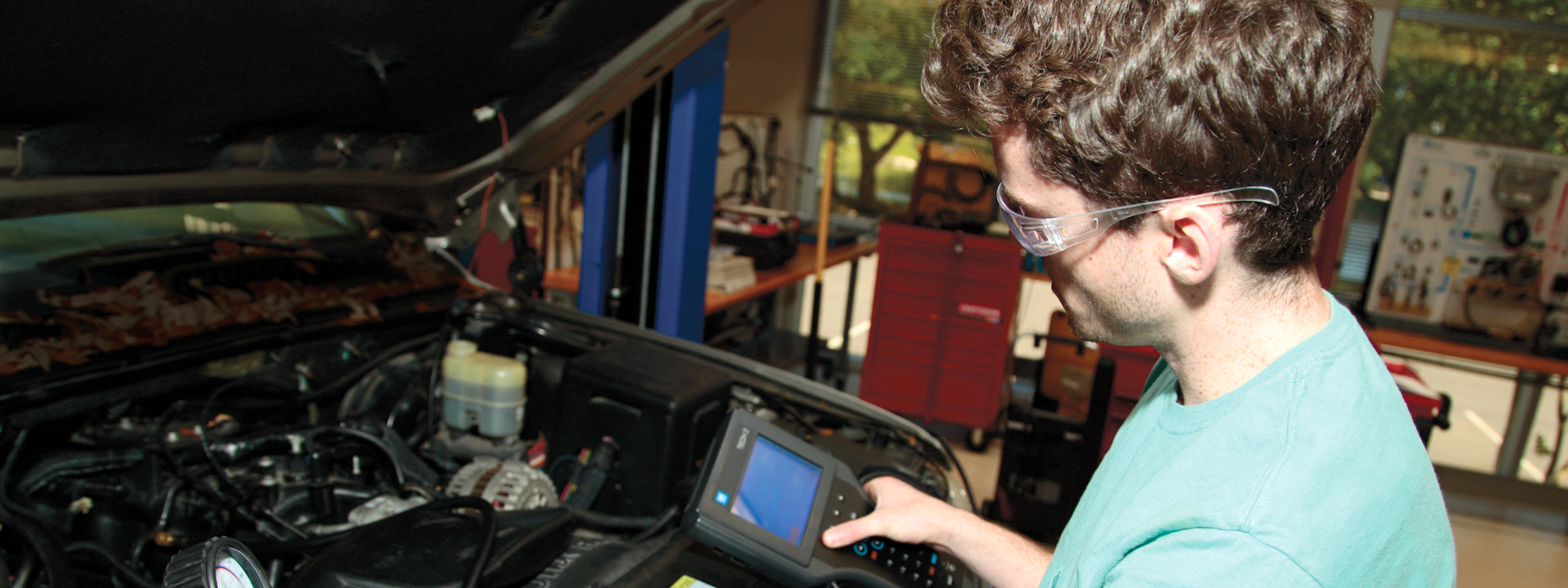 a study on automotive technicians This program provides instruction in the skills and technical knowledge needed  to meet the entry level requirements of employment in the automotive field.